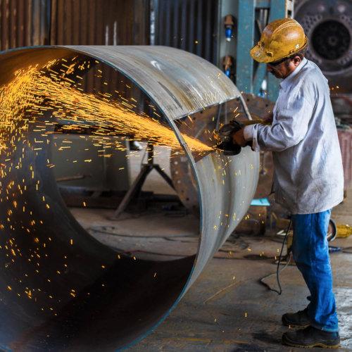 Muncitor în fabrică, Operator producție